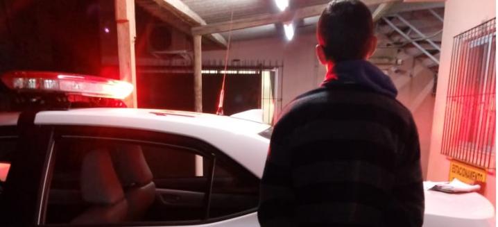 Brigada Militar prende jovem com mandado de prisão no bairro Patronato