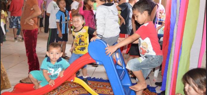 """Ação social no """"Dia das Crianças"""" faz alegria dos pequeninos em Santa Maria"""
